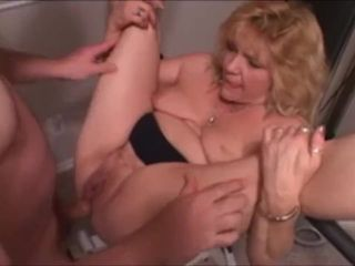 Amateur Wife getting an anal creampie