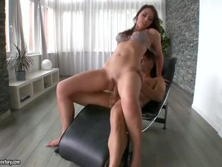 Anal loving MILF in high heels gets her..