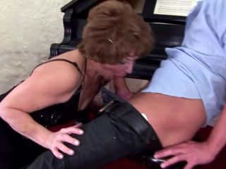 Mature step mothers make pissing massage..