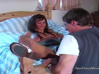 Older glam housewife takes anal while..
