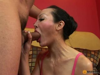 Gaijin welcomed by Asian MILF