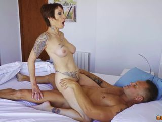 Catalya Mia gets Anal banged