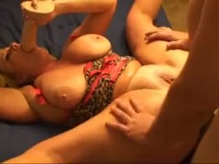 Mature bbw squirting from anal