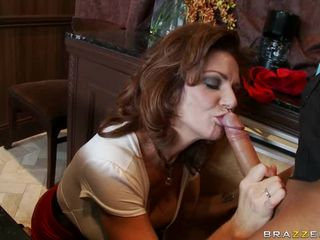 MILFS Like It Big - Deauxma