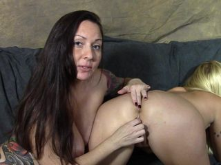Bella uses anal beeds on Dani