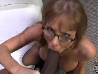 Hot mature mother ass bombarded by huge..