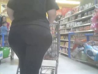 Candid Big Bubble Butt -  Voyeur Mature..
