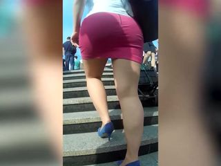 Spycam perfect blonde MILF in tight pink..